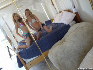 Luscious cock starved teen blondies love - XXX Dessert - Picture 1