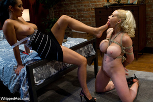 Hot blonde gets her pussy clipped, whipp - XXX Dessert - Picture 7