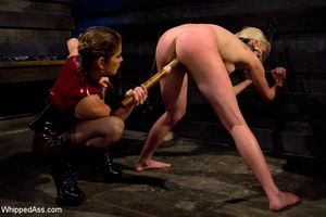 Hard beating and caging sexual games wit - XXX Dessert - Picture 6