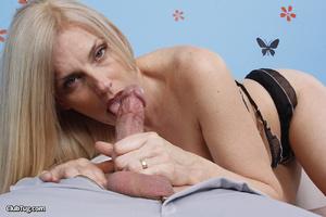 Cute matured blonde, licks, sucks and wo - XXX Dessert - Picture 7