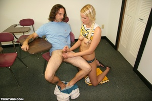 Blonde cheer leader uses her hands to je - XXX Dessert - Picture 9