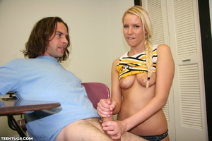 Blonde cheer leader uses her hands to je - XXX Dessert - Picture 12