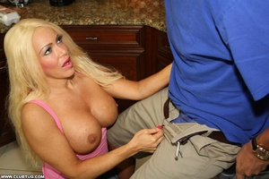 Matured blonde with huge tits knows how  - XXX Dessert - Picture 5