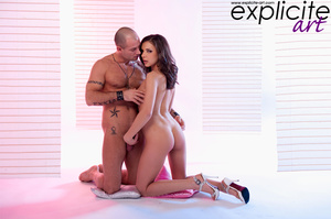 Tattoo guy sucks pussy of cute babe befo - XXX Dessert - Picture 2
