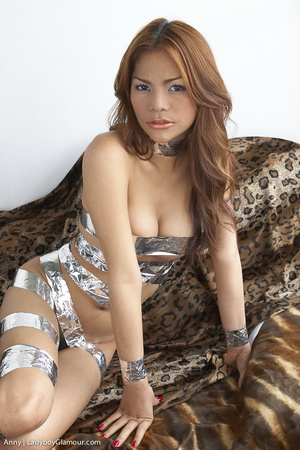 Pretty party girl, likes to play - XXX Dessert - Picture 1