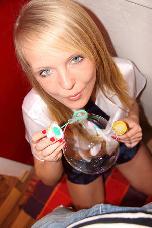 Slutty blonde 18 yo Goldie Gate showing  - XXX Dessert - Picture 3