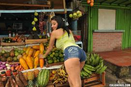 ass, latina, vagina rasurada, young