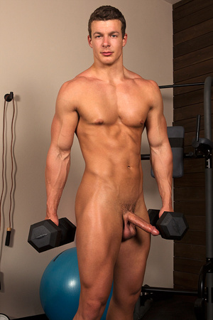 Sexy muscular guy adores demonstrating h - XXX Dessert - Picture 4