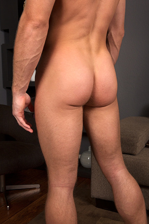 Blonde gay dude preparing his tool for h - XXX Dessert - Picture 4