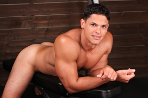 Muscular latino dude Carlos loves sport  - XXX Dessert - Picture 6
