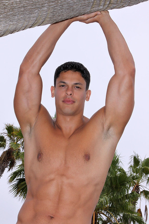 Muscular latino dude Carlos loves sport  - XXX Dessert - Picture 10