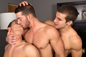 Bodacious threesome gay fucking of colle - XXX Dessert - Picture 4