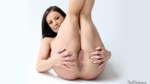 Horny gorgeous sex goddess with voluptou - XXX Dessert - Picture 6