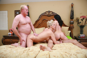 Swapper hubby gives swapped wife hot rou - XXX Dessert - Picture 13