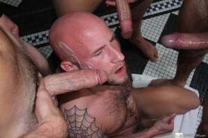 Four hot guys in the bath have wet soapy - XXX Dessert - Picture 16