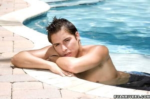 Sensual kissing by swimming pool, before - XXX Dessert - Picture 2