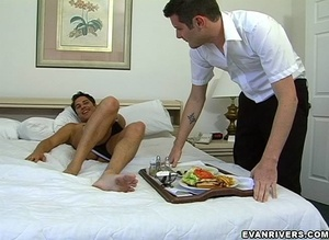 Cute gay boy entices room service guy to - XXX Dessert - Picture 4