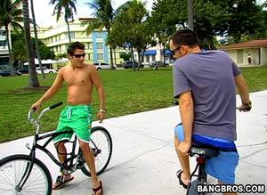 Bike rider meets stranger and takes him  - XXX Dessert - Picture 2