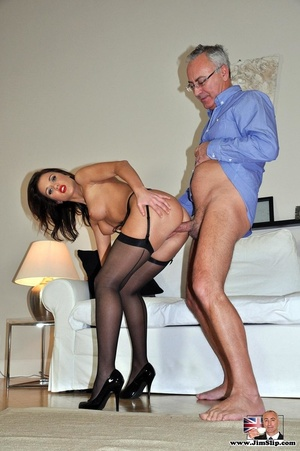 Randy Jim goes down to lick sexy chick's - XXX Dessert - Picture 13
