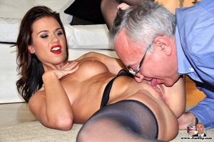 Randy Jim goes down to lick sexy chick's - XXX Dessert - Picture 15