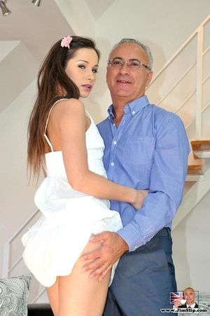 Young and sexy chick gets down with Jim  - XXX Dessert - Picture 9