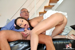 Young and sexy chick gets down with Jim  - XXX Dessert - Picture 12