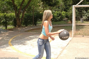 Cute basketball loving chick drops ball  - XXX Dessert - Picture 1