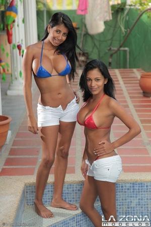 Two very hot slim models in bikini pose  - XXX Dessert - Picture 2