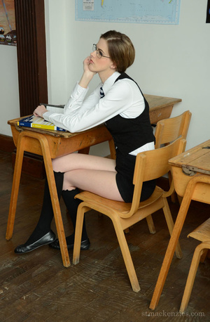 As she waits for a late teacher, exquisi - XXX Dessert - Picture 1