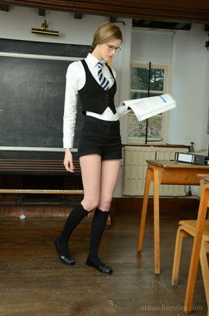 As she waits for a late teacher, exquisi - XXX Dessert - Picture 4