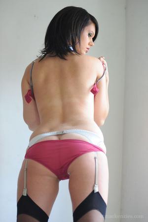 Alluring brunette beauty strips off her  - XXX Dessert - Picture 13
