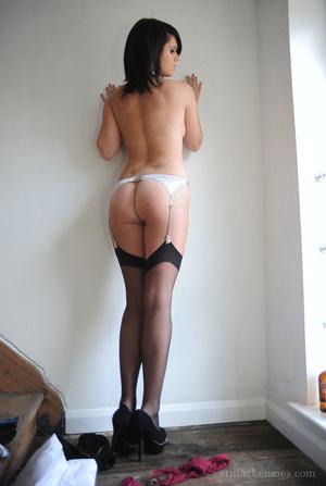 Alluring brunette beauty strips off her  - XXX Dessert - Picture 15