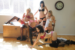 The slutty coeds do noy hesitate to stri - XXX Dessert - Picture 8