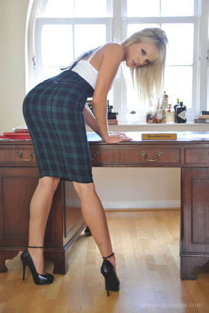Alluring blonde temptress slowly removes - XXX Dessert - Picture 2