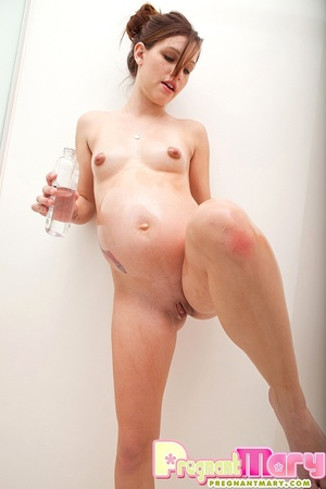 Young beautiful preggy chick in her lace - XXX Dessert - Picture 12