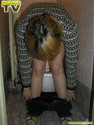 Blonde bitch sits on the toilet and enjoys some moments of wonderful piss coming from her tight sweet cunt - XXXonXXX - Pic 7