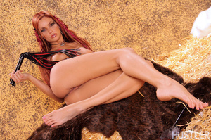 Beautiful red haired savage babe spread  - XXX Dessert - Picture 8