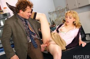 Youthful blonde slut seduces a hunky mat - XXX Dessert - Picture 10