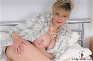 Lovely blonde slut in fur and sexy linge - XXX Dessert - Picture 4
