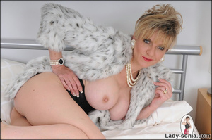 Lovely blonde slut in fur and sexy linge - XXX Dessert - Picture 5
