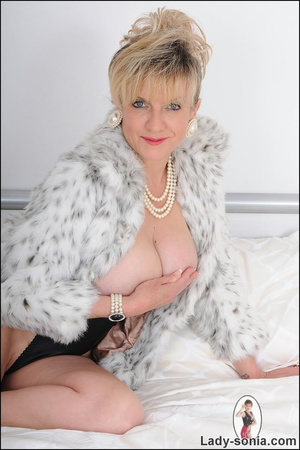 Lovely blonde slut in fur and sexy linge - XXX Dessert - Picture 6