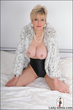 Lovely blonde slut in fur and sexy linge - XXX Dessert - Picture 10