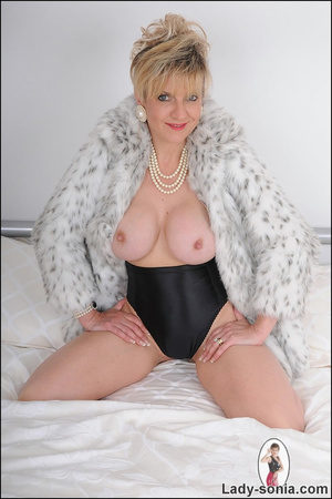 Lovely blonde slut in fur and sexy linge - XXX Dessert - Picture 12
