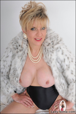 Lovely blonde slut in fur and sexy linge - XXX Dessert - Picture 13