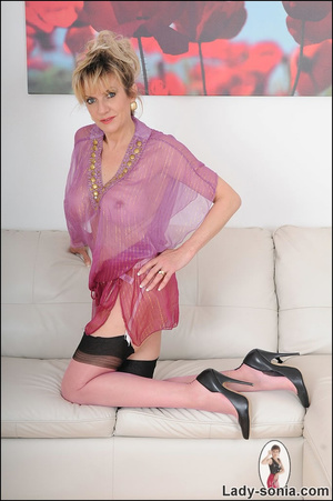 Hot blonde mama tempts to the extreme wi - XXX Dessert - Picture 5