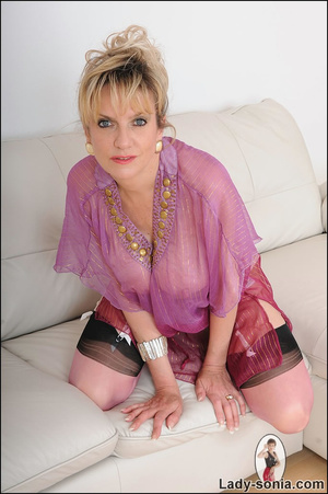 Hot blonde mama tempts to the extreme wi - XXX Dessert - Picture 8
