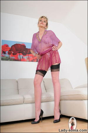 Hot blonde mama tempts to the extreme wi - XXX Dessert - Picture 10