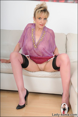Hot blonde mama tempts to the extreme wi - XXX Dessert - Picture 13