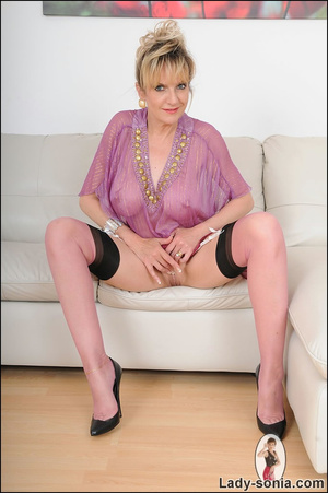 Hot blonde mama tempts to the extreme wi - XXX Dessert - Picture 15