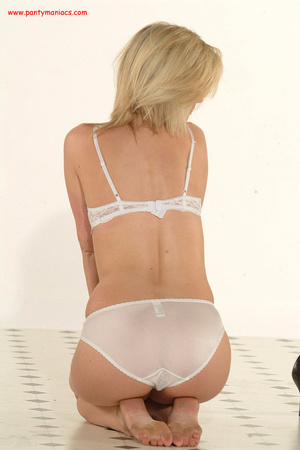Bodacious blonde babe in sexy white lace - XXX Dessert - Picture 7